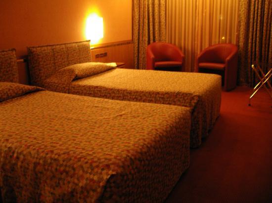 Michelangelo Hotel: ベッドルーム