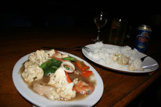 Permai Rainforest Resort: Dinner - stirfry vege & seafood