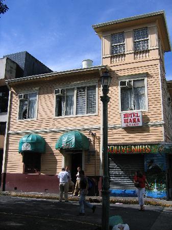 Hotel Diana's Inn: Hotel vu de l'extérieur