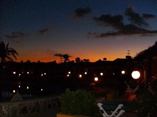 Vista Golf: romantischer Abend bei Rotwein