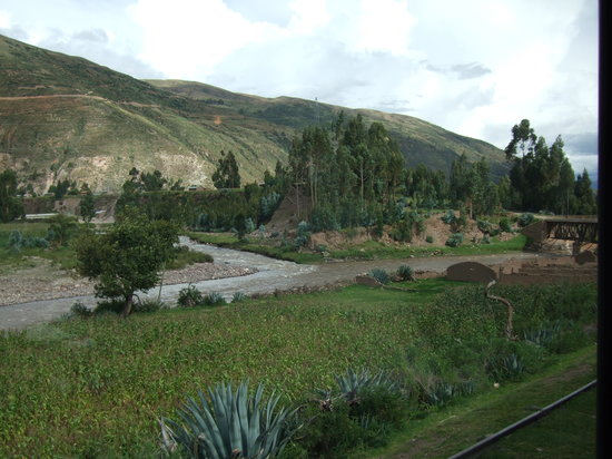 PeruRail Andean Explorer: Moving down the valley to Cusco