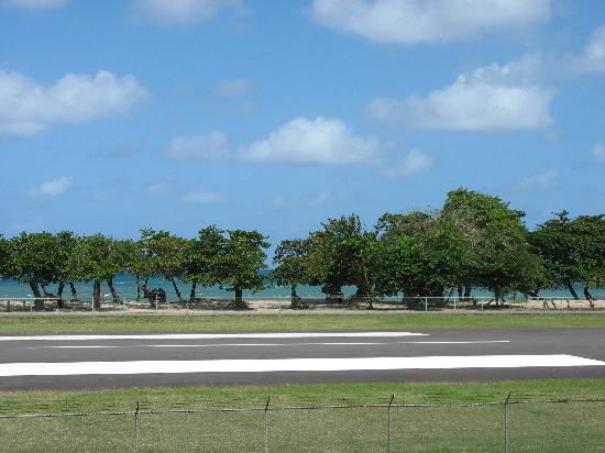 """Seaview Apartel : It should be called """"Highway, then Runway, then Sea View"""""""
