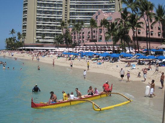 The Royal Hawaiian, a Luxury Collection Resort: 海から