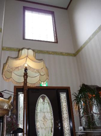 Auberge La Olive: The reception area behind the main door