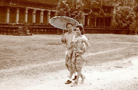 Siem Reap, Cambodia: Wedding at Angkor Vat