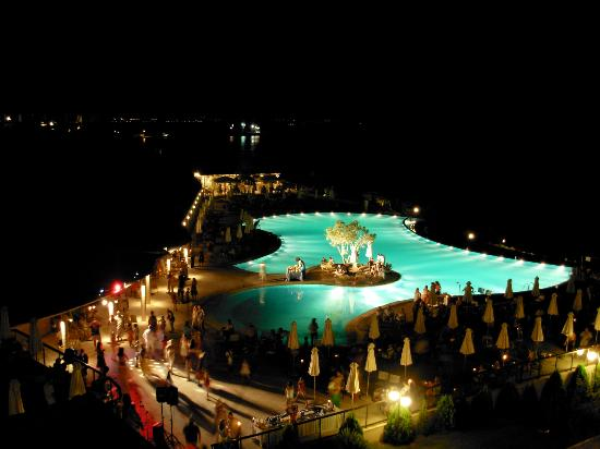 Ikos Oceania: piscine le soir