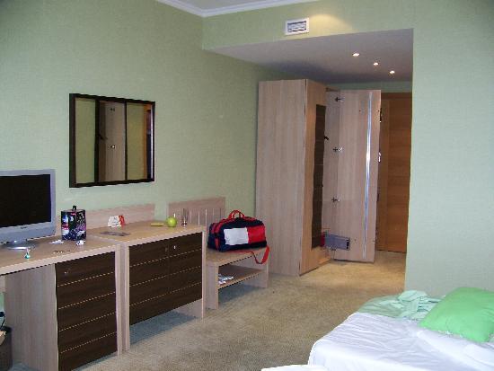 NasHotel: Room