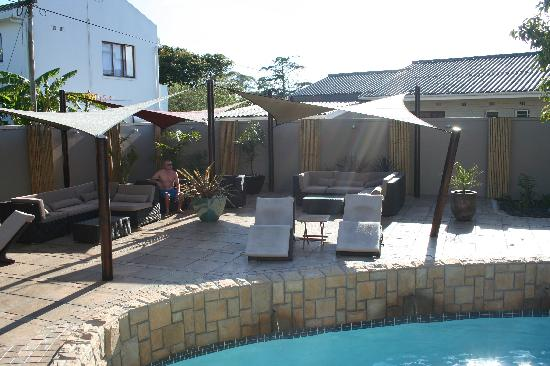 African Breeze Guesthouse Leisure Isle Knysna: Pool and Relax area