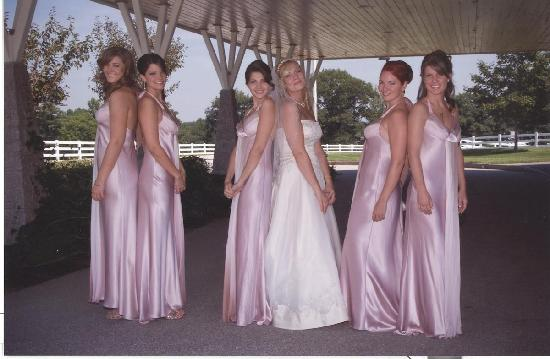 Guest Houses at Pineland Farms: bride & bridesmaids outside Loft