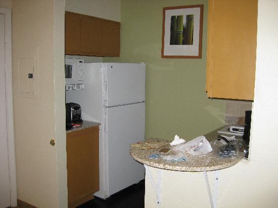 Hyatt House Houston-West/Energy Corridor : the kitchen