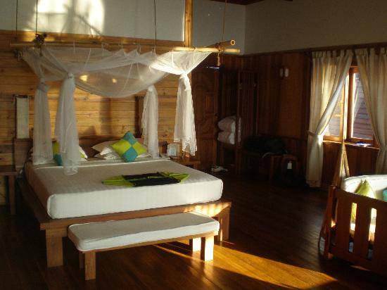 Myanmar Treasure Inle Lake: Bedroom