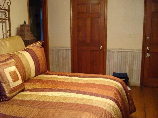 Adobe Village Inn: Tumbleweed Room (walk-in closet door)