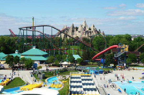 Canada's Wonderland: The WaterPark (SplashWorks) With some amusement Park Showing