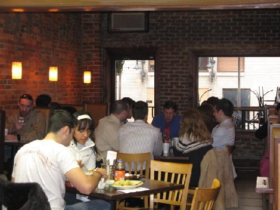 El Arepazo Latin Grill: Dining Room