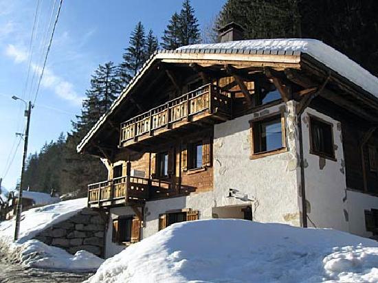 Mountain Mavericks Chalet Le Prele: Chalet exterior