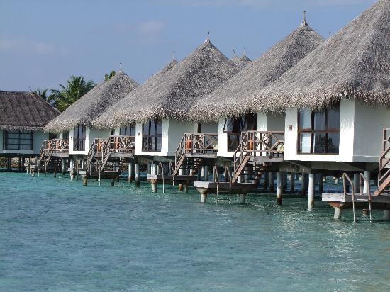 Four Seasons Resort Maldives at Kuda Huraa: Watervillas - auch hier ist das Baden nicht möglich