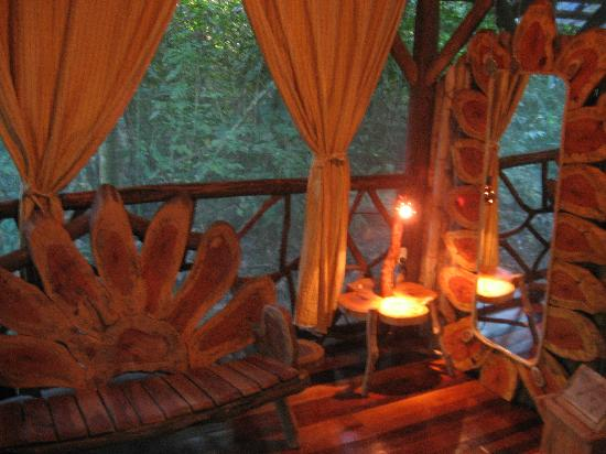 Danta Corcovado Lodge: Lounging corner of bedroom