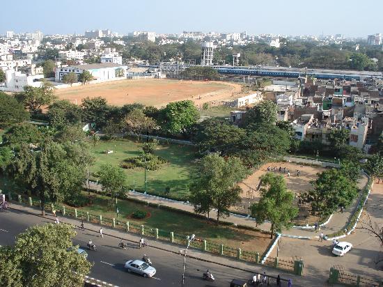 Pride Hotel Chennai: View of Nehru Park opposite hotel