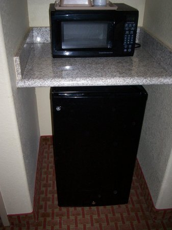 Sleep Inn & Suites at Six Flags: microwave & mini-frig