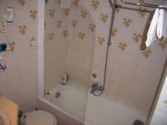 Hotel des Geneys Splendid: Bathroom!