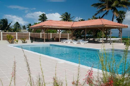 St. George's Caye Resort: The new pool