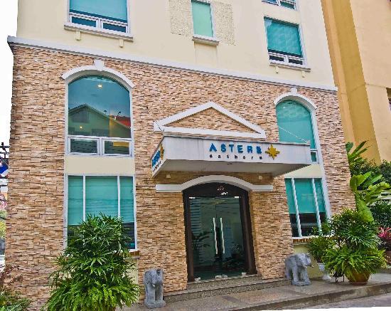 Astera Sathorn: Hotel facade