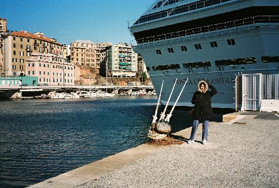Livorno, Italien: Starting our walk from the ship
