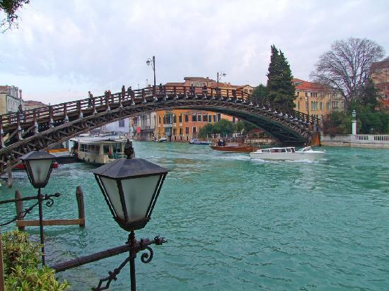 Hotel Galleria: Accademia Bridge from Room 10