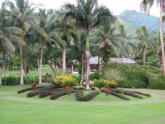 Naviti Resort: View to the garden and golf course