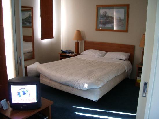 Domain Lodge : Room sleeping area.