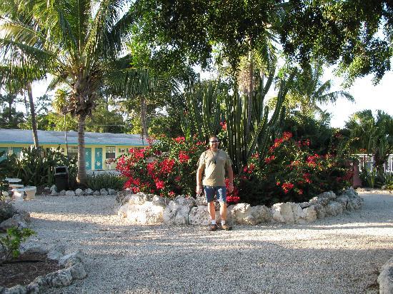 Blackfin Resort and Marina: Gorgeous Landscaping at Blackfin