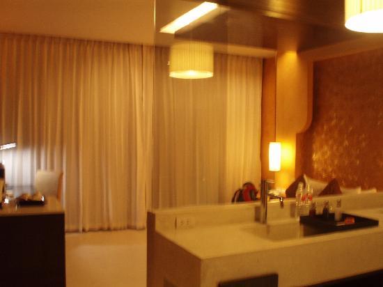 Chanalai Romantica Resort: First view of room ~ romantic orange lighting