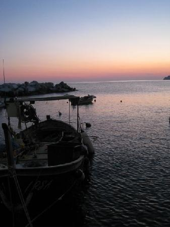 Hostel Cinque Terre: Manarola at night