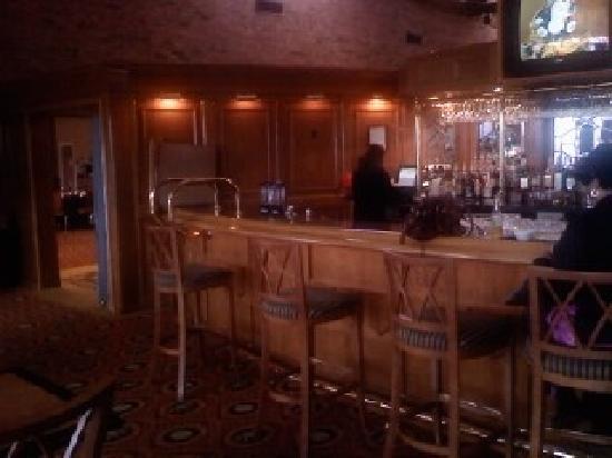 Ogle Haus Inn: Bar area