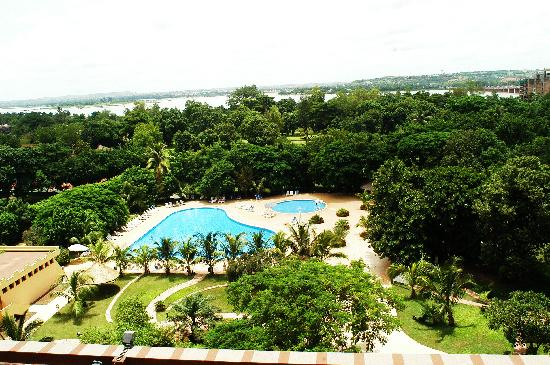 LAICO l'Amitie Hotel: Vue splendide :Piscine, Jardin, Fleuve Niger