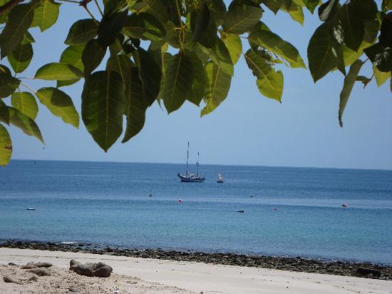Contadora Island Inn: Contadora Isle Beach View