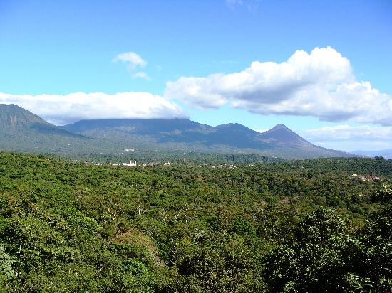 Ahuachapan, El Salvador: viewing spot on the road from Apaneca to Juayua