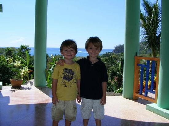 Mirador de Samara : Happy boys at Hotel Mirador
