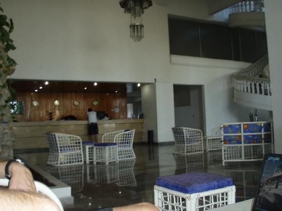 Acabay Hotel & Beach Club: the hotel lobby