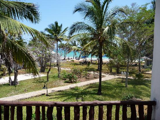 Jacaranda Indian Ocean Beach Resort: Vue d'un balcon