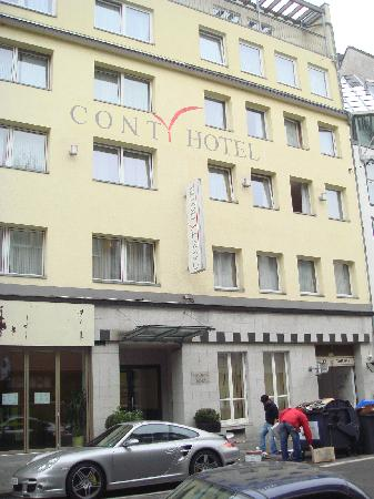 Conti Hotel: Outside of hotel