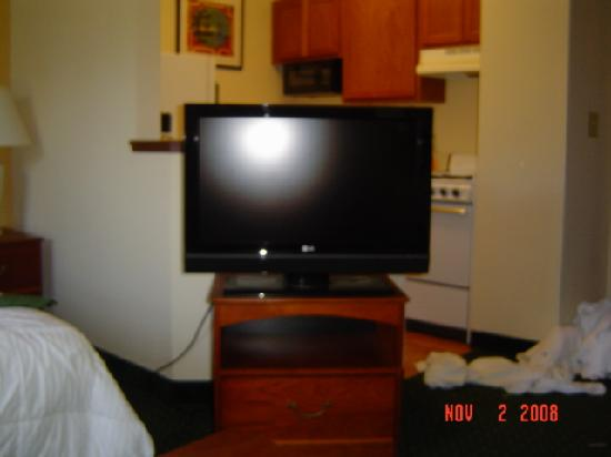 TownePlace Suites Charlotte Arrowood: tv
