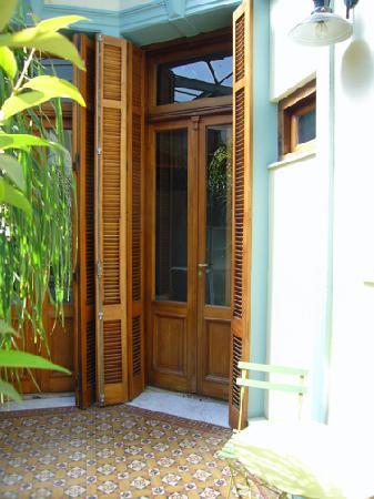 Mundo Bolivar : Door to loft