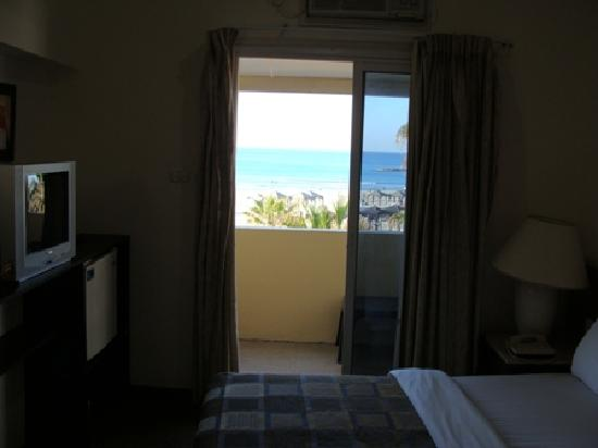 Golden Beach Hotel by Arcadia Hotels : Beach view from my room