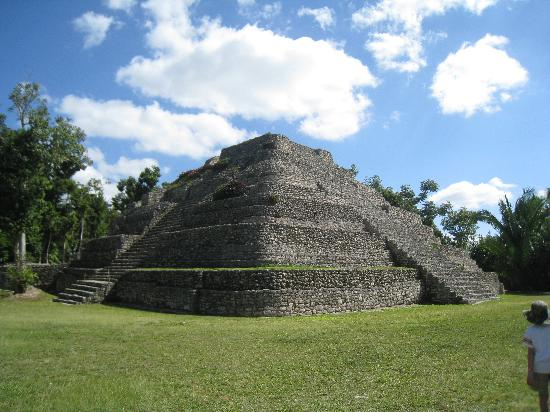Chacchoben, Mexico: One of the Ruins