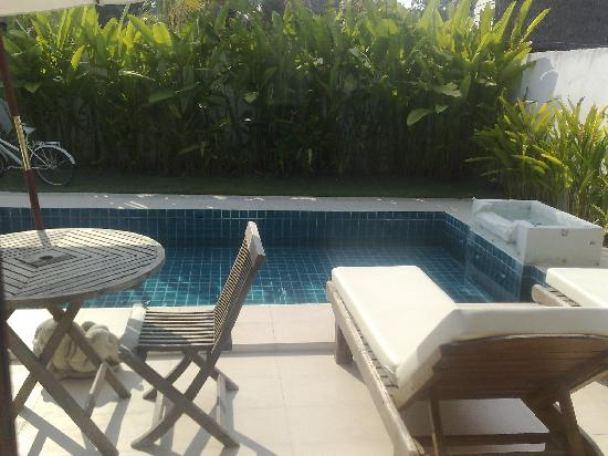 Dhevan Dara Resort & Spa Hotel: our lovely pool!!!