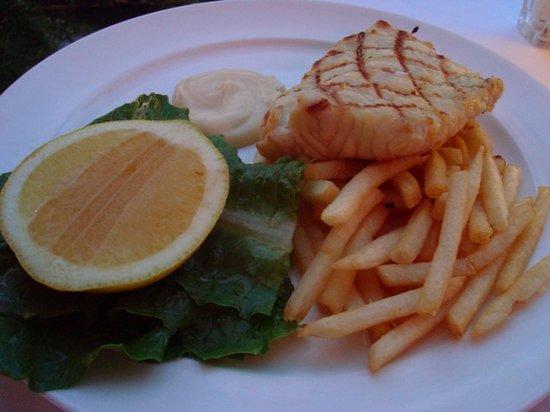 Rickys River Bar + Restaurant: Market Fish Gold Band Snapper
