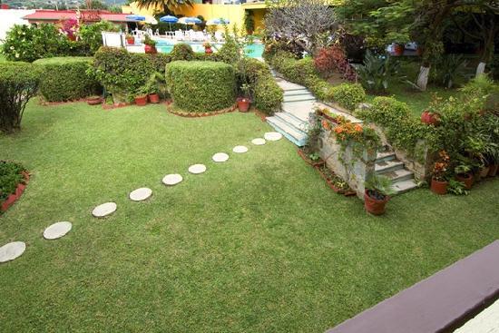 Mision Oaxaca: garden