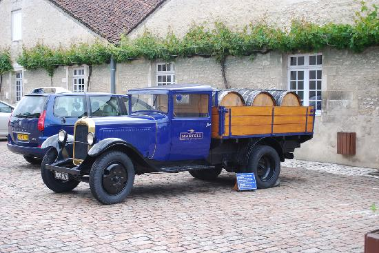 Martell Cognac : Antique Martell delivery truck