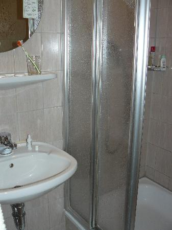 Hotel Stephan: Bathroom